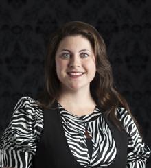 Dr. Anna Stamp headshot