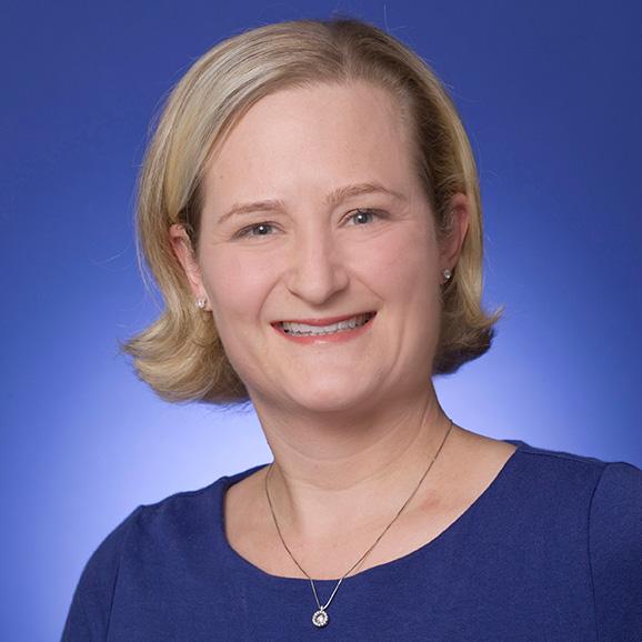 Sarah Raake headshot
